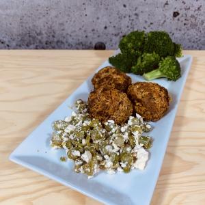 Commandez repas santé prêt à manger végétarien, boulettes de patates douces olives et feta