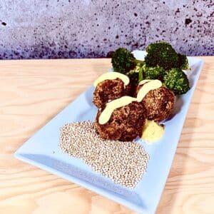 Commandez repas prêt à manger végétarien boulettes de patates douces quinoa
