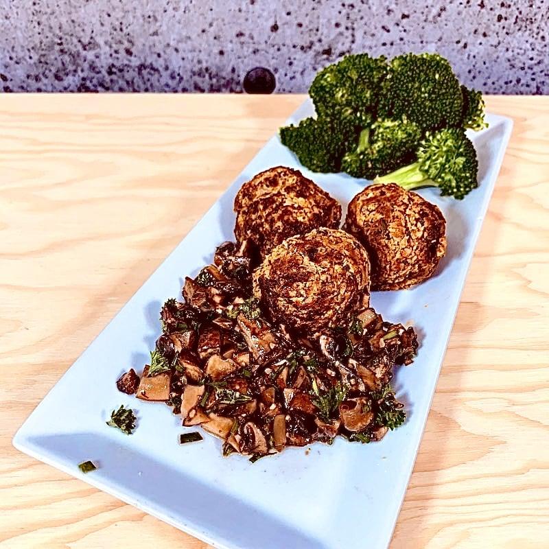 Commandez repas prêt à manger végétarien boulettes de patates douces-champignons