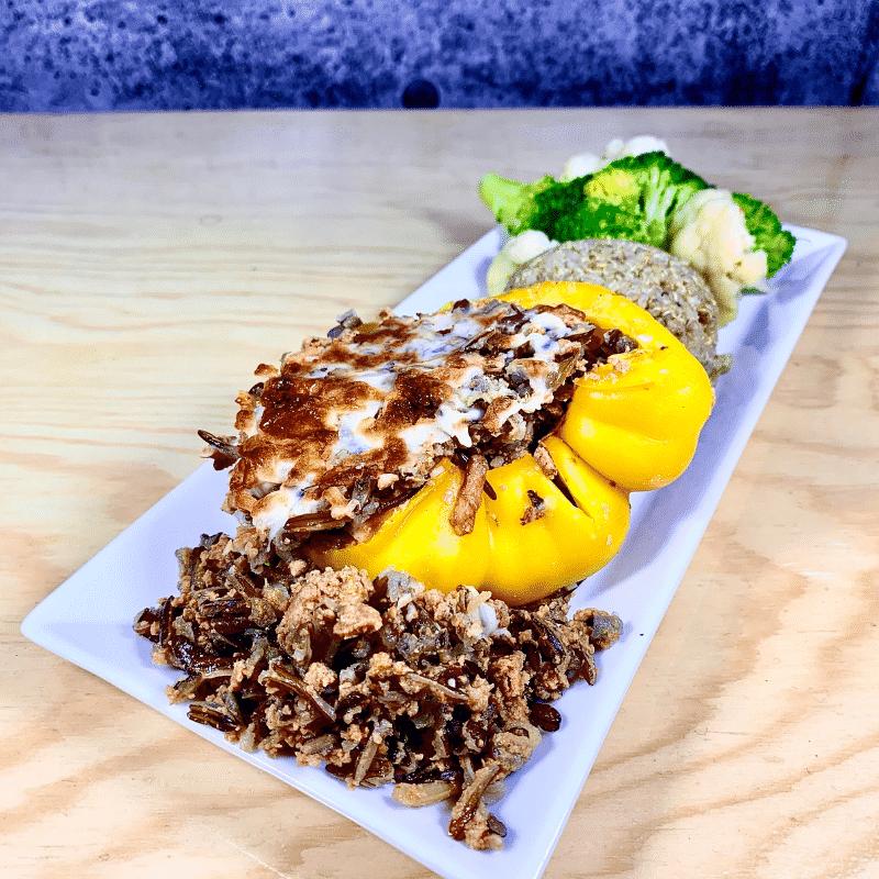 Commandez repas prêt à manger, poivron farci à la dinde et aux riz sauvage biologique