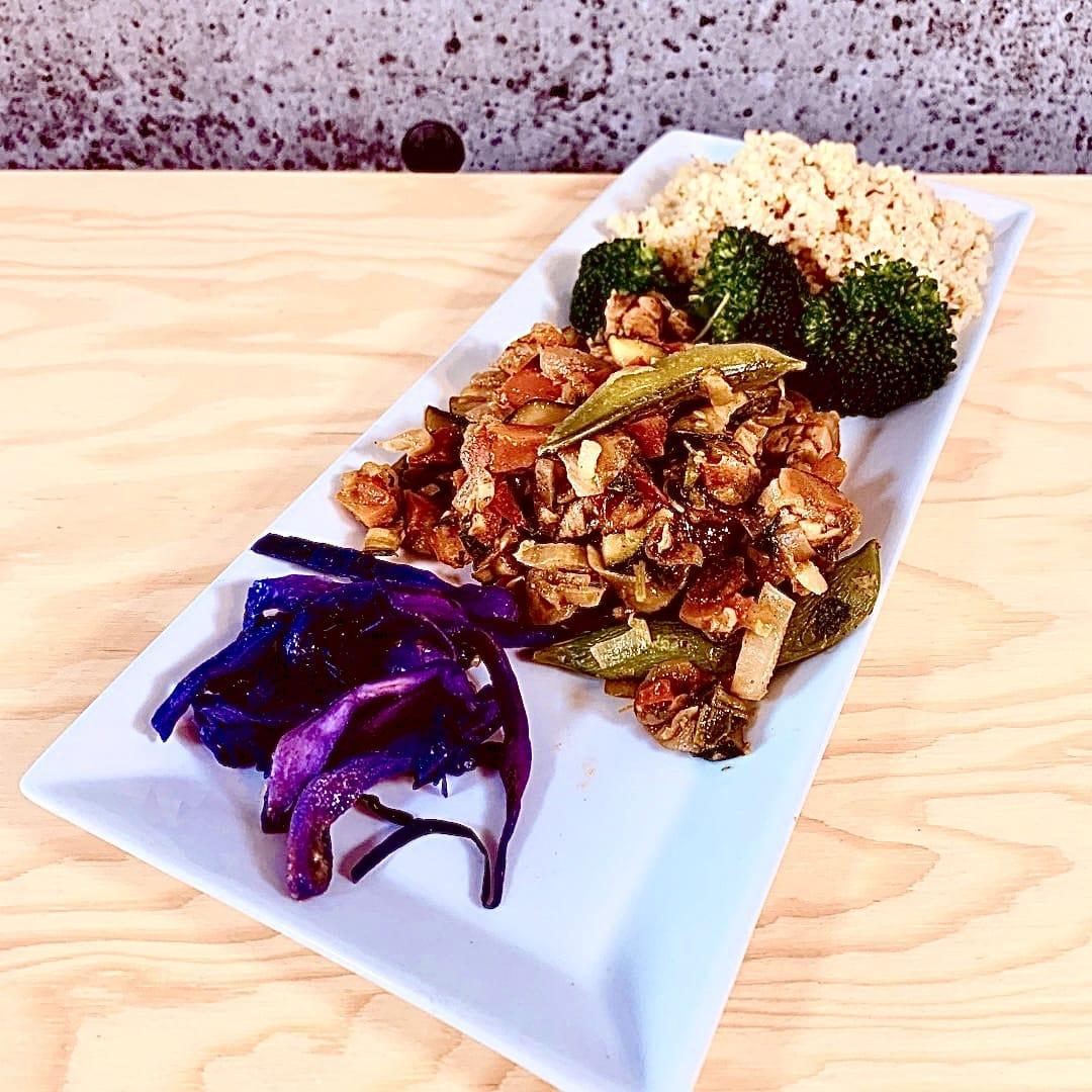 Commandez repas prêt à manger végétarien tempeh aux légumes à l'orientale