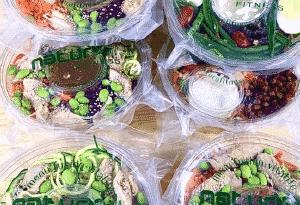 Service de préparation de repas et de collations prêt à manger presque bio à 100%
