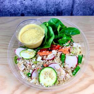 Prêt à manger, salade estivale de quinoa